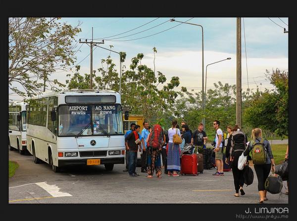 รถบัสไปอ่าวนาง, ตัวเมือง