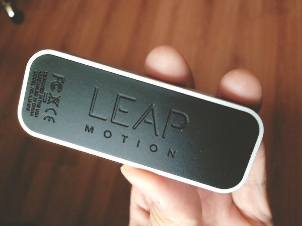 leap-motion-back