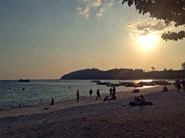 หาดหลีเป๊ะพระอาทิตย์ตก