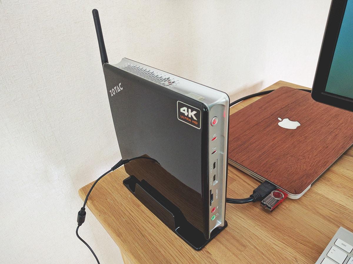 zotac-and-macbook