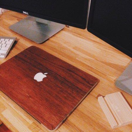 macbook ลายไม้